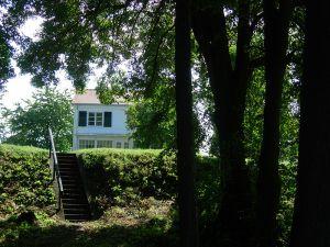 Blick-vom-See-auf-das-Haus