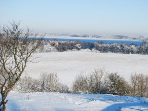 Winter---Blick-auf-das-Seehaus